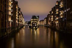 Hamburger Wasserschloss (martintimmann) Tags: pixelshift sony a7r3 a7rm3 a7riii water city refection architecture hamburg night longexposure elbe harbour loxia235 availablelight e