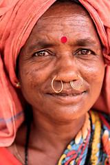 Adivasis (Femme de la tribus Mali) (Ma Poupoule) Tags: inde india indou orisha odisha tribal tribus tribusmali porträt portrait visage face couleurs colors goneipadavillage goneipada orissa indigenous tribe aborigènes