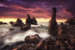 Nautae petrificatis (Blai Figueras) Tags: sky panorama agua seascape water horizon landscape amanecer atmosphere coast seaside longexposure stones lloretdemar le rocas paraiso eden sun paradise beach sea paisaje costabrava flickr playa naturaleza nature costa cielo mar clouds rocks silkeffect