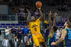 ECU Basketball '17 (R24KBerg Photos) Tags: ecu eastcarolina eastcarolinauniversity eastcarolinapirates ecupirates greenville greenvillenc mingescoliseum williamsarena hoops sports canon collegesports college americanathleticconference aac uncwilmingtonseahawks uncw 2017 ncaa basketball