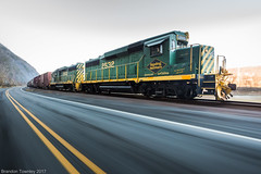 Reading and Northern in Ransom, PA (Brandon Townley) Tags: car green old trains railroad outside