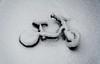eingeschneit (gabrieleskwar) Tags: outdoor kinderrad schnee weiss schatten