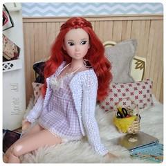 Ninjin ❤ (Karine'S HCF (Handmade Clothing & Furniture)) Tags: momoko pelirroja cama diorama chaqueta
