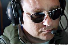 Militar operando instrumentos do P-95B (Força Aérea Brasileira - Página Oficial) Tags: aeronave bandeirantepatrulha bandeirulha brazilianairforce fab forcaaereabrasileira forçaaéreabrasileira fotopaulorezende p95 p95b aeronautica aircraft patrulha patrulhamaritima florianópolis sc brazil bra