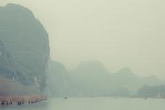 _62A3012 (gaujourfrancoise) Tags: china chine guangxi liriver rivièreligaujour guilin yangshuo karstlimestonepeaks picscalcaireskarstiques 20yuanticket billetde20yuans brouillard fog mist