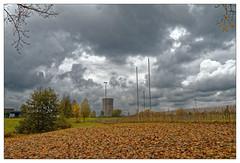 La centrale au gaz (Jean-Marie Lison) Tags: eos80b bruxelles forest bempt drogenbos cheminée clôture nuages