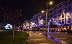 Navidad en A Coruña... (Leo ☮) Tags: navidad christmas noche night nocturna luces lights urbana urban street avenida calle diciembre december galerías lamarina acoruña galicia