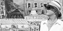 Portrait, Moulin Rouge, Munich Optimolwerke (Traveller_40) Tags: bw bayern blackwhite blackandwhite earrings glasses googles hat hut kette kunspark mill monochrome moulinrouge mühle nb noirblanc noiretblanc ohrringe optimolwerke schaden schadows schmuck show sonnenbrille biancoenero blancoynegro customjewellery monocromático pretoebranco theater 单色 白黒 dof depthoffield