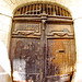 1204 Val de Loire en Août 2017 - Tours, rue des Cerisiers (paspog) Tags: tours france loire valdeloire vieuxtours août august 2017 ruedescerisiers portail bois