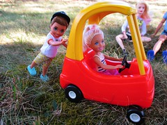 Cousins 🚗 playing (flores272) Tags: chelseadoll barbie barbiedoll littletikes kellyclubtommy campingfunboydoll outdoors littletikescoupe dolll dolls toys toy