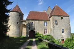 Château de Giry (Nièvre) (godran25) Tags: bourgogne burgundy france nièvre canon 2017 château castle giry