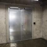 First-Floor Entrance to Vault Structure / Entrée de la structure de chambre forte du 1er étage thumbnail