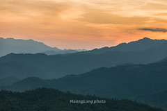 _29A0850.0917.QL3.Tài Hồ Sìn.Hòa An.Cao Bằng. (hoanglongphoto) Tags: asia asian vietnam northvietnam northeastvietnam landscape scenery vietnamlandscape vietnamscenery vietnamscene nature sunset twilight hdr sky redsky mountain mountainous mountainouslandscape flanksmountain sierra canon canoneos5dsr canonef70200mmf28lisiiusmlens đôngbắc caobằng ql3 đèotàihồsìn phongcảnh hoànghôn chạngvạng bầutrời bầutrờimàuđỏ núi dãynúi sườnnúi phongcảnhcaobằng thiênnhiên phongcảnhvùngcao