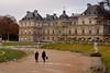 Le Palais du Luxembourg - Paris (Pantchoa) Tags: paris palais luxembourg architecture nuages pluie deux gens personnes allée statue nikon d7200 tamron 35mmf18 sénat