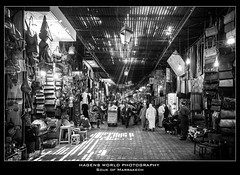 Souk of Marrakech (Hagens_world) Tags: marokko blackwhite marrakesch market souk africa afrika blancoynegro handel markt marktplatz maroc marrakech marrakesh morocco schwarzweis mercado canon canoneos5dmarkiii