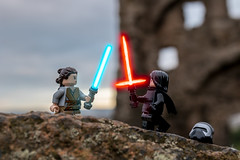 Star Wars - The Last Jedi (Ballou34) Tags: 2017 7dmark2 7dmarkii 7d2 7dii afol ballou34 canon canon7dmarkii canon7dii eos eos7dmarkii eos7d2 eos7dii flickr lego legographer legography minifigures photography stuckinplastic toy toyphotography toys stuck in plastic starwars star wars sw tlj the last jedi rey kylo ren lightsaber force castle édimbourg scotland royaumeuni gb