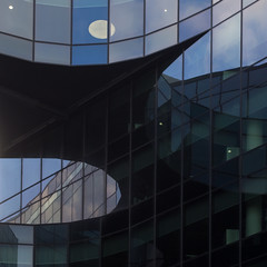 moon (Cosimo Matteini) Tags: cosimomatteini ep5 olympus pen m43 mzuiko45mmf18 london morelondon architecture fosterandpartners normanfoster reflection fragmented moon