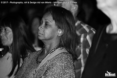 2017 Bosuil-Het publiek bij Sweetkiss Momma en Danny Bryant 6-ZW