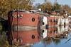 Péniche sur le canal du Midi (Villeneuve Les Béziers - Sud de France). (Loup-Blanc) Tags: péniche barge villeneuvelesbéziers suddefrance canaldumidi