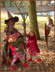 Wir besuchen den Laternenmann ... (Kindergartenkinder) Tags: havixbeck burg hülshoff kindergartenkinder annette himstedt dolls sanrike tivi