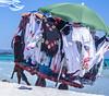 Abiti erranti (stendol [L.B.W.L.]) Tags: abiti femminili erranti spiaggia beach ambulante ambulanti mare estate ombrellone venditore vento appesi summer colours