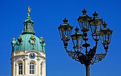 Charlottenburg Palace, Berlin (SomePhotosTakenByMe) Tags: urlaub holiday vacation berlin germany deutschland stadt city innenstadt downtown charlottenburg outdoor schlosscharlottenburg charlottenburgpalace palace schloss gebäude building architektur architecture lantern laterne inexplore explored