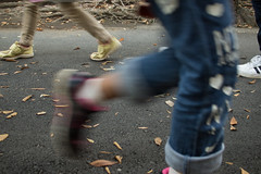 Busy sidewalk (odeleapple) Tags: olympus e5 zuiko digital 25mm zd sidewalk walk