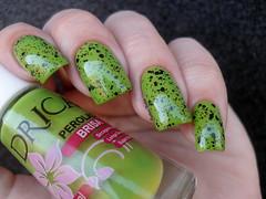 Drica - Brisa + Dote - Mágico (Barbara Nichols (Babi)) Tags: drica verde brisa mágico dote glitter glitterpreto shimmer greennailpolish green greennails