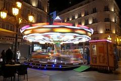 Carrusel infantil en Zaragoza (joseange) Tags: colores noche lumixlx15 lx15 lx10 carrusel