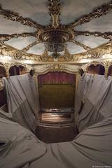 Les travaux à l'Athénée Théâtre Louis-Jouvet (Clémence Hérout) Tags: athénée paris théâtre travaux architecture lustres
