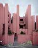 La Muralla Roja (Lukas Schlatter) Tags: lamurallaroja ricardobofill calpe bofill murallaroja