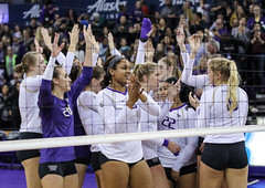 UW Washington State-FT4I1325 (Pacific Northwest Volleyball Photography) Tags: volleyball womensvolleyball ncaa uwhuskies washington washingtonstate