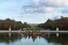 Un dimanche à Versailles (•Nicolas•) Tags: automne exposition fall jardins m9 parc park versailles france neptune bassin sky ciel water eau nicolasthomas