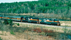 573_04_28 (3)_crop_clean (railfanbear1) Tags: mec dh guilford gp7