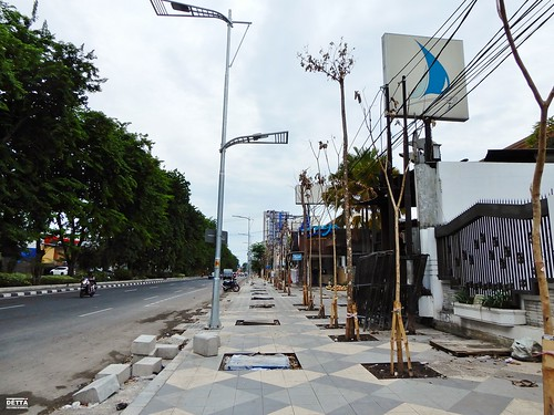 Pembangunan Drainase dan Jalur Pedestrian - Jalan Manyar Kertoarjo (Sisi Selatan) (2)