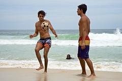 Boys at Leme Beach (Outdoor Life) Tags: footvolley sport futbol ball sand arena garotos boys guys garoto cute nice beautiful water beach playa funny enjoying rio de janeiro brasil brazil have fun outdoors candid brazilian blue azul brasileño futevolei 2017 leme