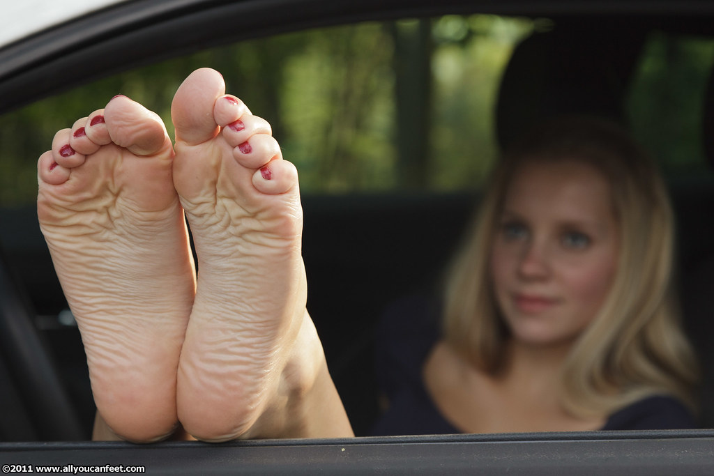 3 pairs of sexy feet wrapped around your horny meat 4