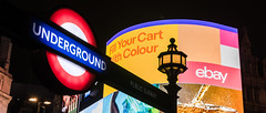 London, Piccadilly (drasphotography) Tags: london great britain england travelphotography travel drasphotography d810 piccadilly nightshot looking up night nightlife nacht nachtaufnahme underground tube ubahn lights advertising notte city