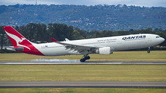 Qantas | A330-300 | VH-QPA (Anthony Kernich Photo) Tags: view airplane aircraft airplanepicture airplanephotograph airplanephoto adelaide adelaideairport plane aviation jet olympusem10 olympus olympusomd commercialaviation planespotting planespot aeroplane flight flying airline airliner kadl kpad adl airport raw widebody airbus airbusa330 a330 a330300 vhqpa qantas qantasairways landing flare