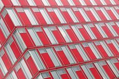 killepitsch factory (Fotoristin - blick.kontakt) Tags: düsseldorf medienhafen building front capricorn killepitsch factory red diagonal abstract lines windows architecture pattern fotoristin