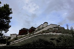 Potala Palace (oxfordblues84) Tags: oat overseasadventuretravel tibet architecture building lhasa lhasatibet potalapalace thepotala tibetautonomousregion tibetautonomousregionchina china tibetanarchitecture sky cloudy clouds cloudysky trees tree unes unescoworldheritagesite unesco dalailama redmountain