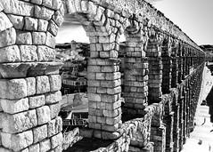 Roman aqueduct in Segovia (Mariano 57) Tags: romanaqueduct ruins segovia architecture fotocompetition fotocompetitionbronze