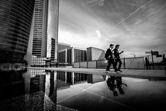 Smartphones (tomabenz) Tags: france sony a7rm2 building bnw bw défense urban sky street photography noir blanc tower monochrome paris architecture human geometry black white europe streetview noiretblanc ladéfense blackandwhite humaningeometry sonya7rm2 streetphotography
