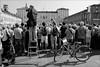 Torino 0487 (malko59) Tags: torino turin piazzacastello streetphotography street urban biancoenero blackandwhite scala bicicletta fotografo photographer fujifilmx fujifilmxseries fujifilmxt1