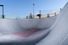 Noseblunt pt. II (Whathefocusphoto) Tags: skateboarding chicagoskateboarding skating poolskateboarding poolskating laramie chicago nikon d600 godox