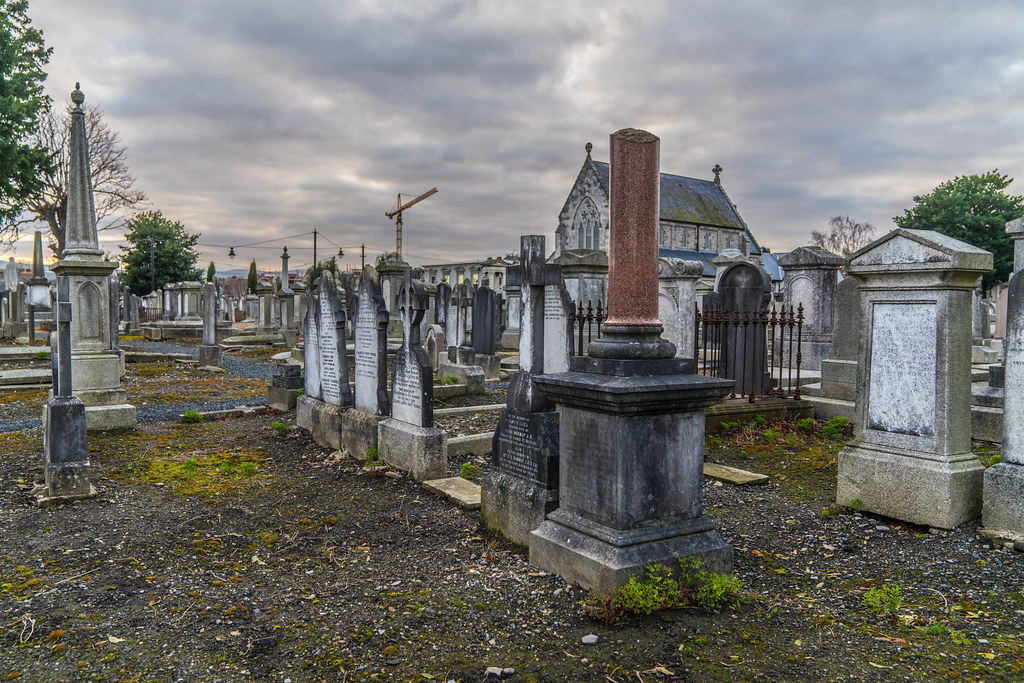MOUNT JEROME CEMETERY IS AN INTERESTING PLACE TO VISIT [IT CLOSES AT 4PM]-134277