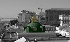 Lisbonne (hans pohl) Tags: portugal lisbonne villes cities fenêtres windows roofs toits architecture noiretblanccoloré blackandwhite recolored