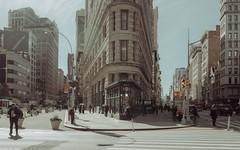 2598 (Panda1339) Tags: 28mm leicaq summiluxq manhattan nyc newyorkcity streetphotography flatirondistrict architecture usa 19xy x5