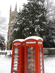 St John the Evangelist Church and Phoneboxes, South Bar, Banbury, Oxfordshire, 10 December 2017 (AndrewDixon2812) Tags: banbury banburyshire oxfordshire cherwell stjohn stjohns evangelist roman catholic church telephone box phonebox booth southbar snow winter