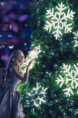 Snow Elf by Megan Coffey - Starbuxx Holiday Matsuri 2016 Original Design Cosplay (WhiteDesertSun) Tags: holiday matsuri 2016 cosplay con convention costume christmas dressup festive megan coffey starbuxx original design snow elf tree flake bokeh stf 135